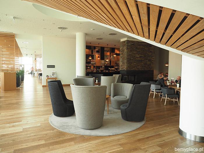 lobby hotel owe spot marriott